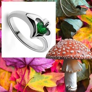 Luxury silver natural emerald ring